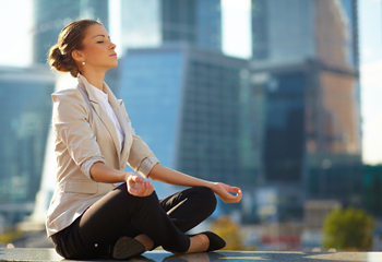 9 Critical Steps for Meditation in Your Office Room